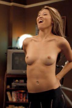 Голая Джессика Ли в фильме «41-летний девственник, который...», 2010