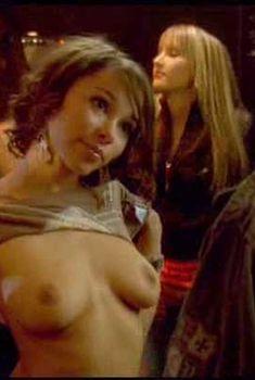 Красивая голая грудь Джессики Паркер Кеннеди в фильме «Приманки 2: Второе обольщение», 2007