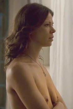 Полностью голая Джессика Шварц в фильме «Прощай, Париж», 2013