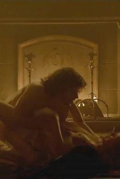 Голая Джина МакКи в сериале «Борджиа», 2011