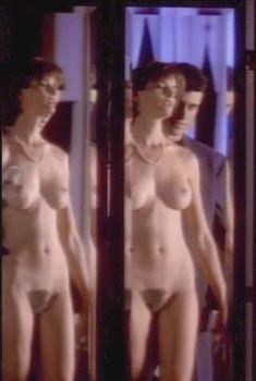 Голая Джоан Северанс в сериале «Дневники «Красной туфельки»», 1992