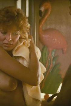 Голая Джоанна Кэссиди в фильме «Бегущий по лезвию», 1982