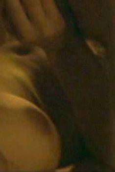 Голая Джоди Мэй в фильме «Еще одна из рода Болейн», 2003