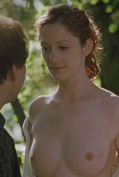 Голая грудь Джуди Грир в фильме «Адаптация», 2002