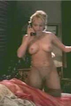 Голая Джулия Круиз в сериале «Лучший секс в вашей жизни», 2002
