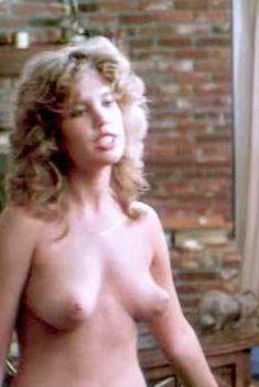 Джуэл Шепард оголилась в фильме Mission Killfast, 1991