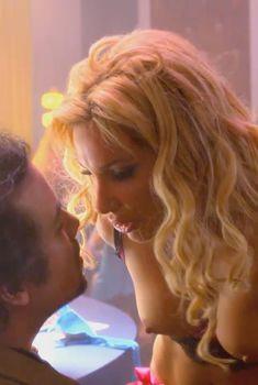 Голая Диана Терранова в сериале «Блудливая Калифорния», 2007