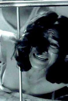 Долорес Эредия засветила грудь в фильме «Чистилище», 2008