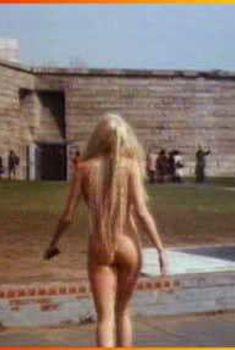 Дэрил Ханна показала голую попку в фильме «Всплеск», 1984