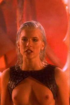 Голая Ева Хаберманн в сериале «Лексс», 1997