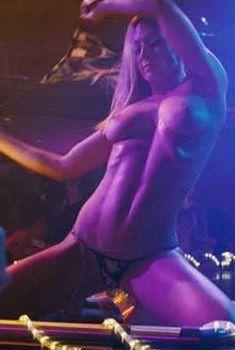 Голая Жак Холлэнд в фильме «Девушка моего лучшего друга», 2008