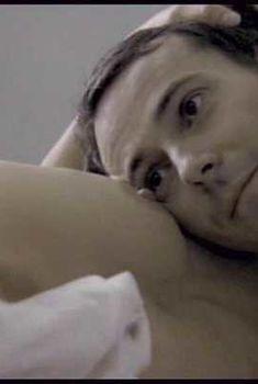Голая Жюли Гайе в фильме «Клара и я», 2004