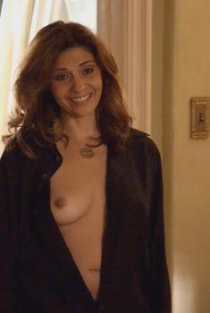 Голая Калли Торн в сериале «Блудливая Калифорния», 2007