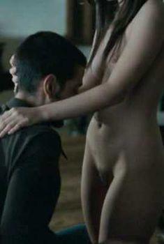 Голая Камила Соди в фильме «Ночной буйвол», 2007