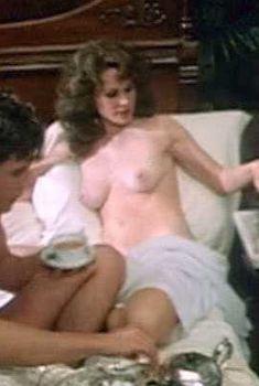 Голая Карен Блэк в фильме «Хвала пожилых женщин», 1978