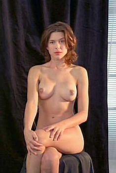 Полностью голая Кари Вурер в фильме Luscious, 1999