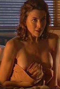 Кари Вурер показала голую грудь в фильме «Феникс», 1998
