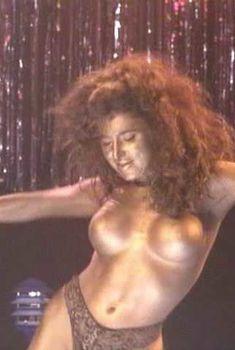 Голая Катя Сассун в фильме «Танец со смертью», 1992