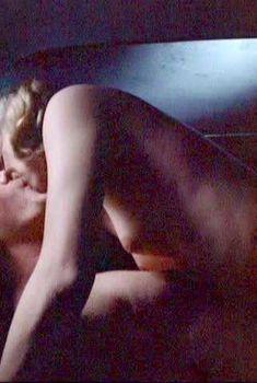 Голая Кейт Вернон в фильме «Закусочная на шоссе 66», 1984