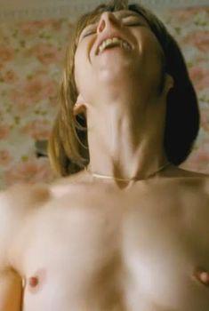 Голая Кейт Дики в фильме «Грязь», 2013