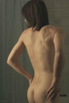 Голая Кейт Дики в фильме «Красная дорога», 2006