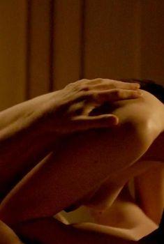 Голая Кейт Лин Шейл в сериале «Изгой», 2016