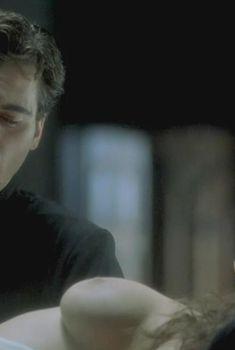 Голая Кейт Уинслет в фильме «Перо маркиза де Сада», 2000