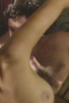 Келли Райлли засветила грудь в сериале «Русские матрешки», 2011