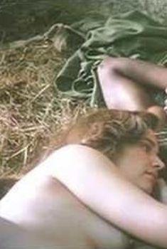 Керри Фокс засветила грудь в сериале «Любовники», 2014