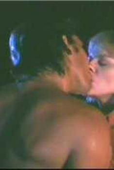 Голая Ким Кэтролл в фильме «Полночный переход», 1988