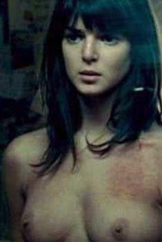 Голая Клара Лаго в фильме «Игра повешенного», 2008