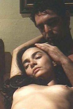 Голая Клаудия Оана в фильме «Эротика», 1994