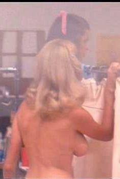 Голая Коллин Кэмп в фильме «Улыбка», 1975