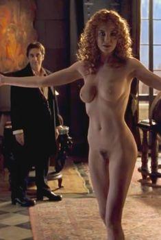 Голая Конни Нильсен в фильме «Адвокат дьявола», 1997