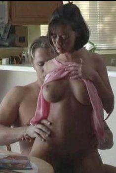 Крисси Моран снялась голой в фильме Erins Erotic Nights, 1986