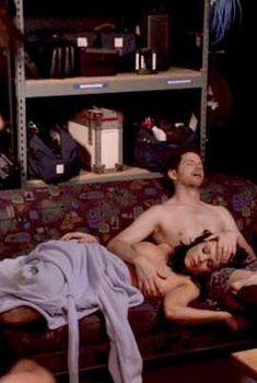 Голая Криста Кэмпбелл в фильме «В поисках блаженства», 2009