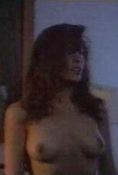 Голая Криста Эрриксон в фильме «Губительные страсти», 1989