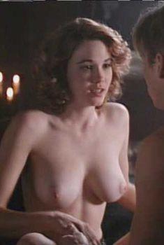 Голая Кристи Харрис в фильме «Ночь демонов 2», 1994