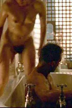 Голая Кристин Скотт Томас в фильме «Английский пациент», 1996