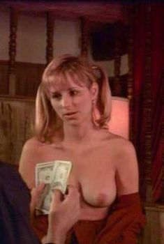 Голая Кристина Уолкер в фильме «Банк спермы», 2004