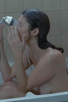 Кьяра Мастроянни засветила грудь в фильме «Моя девочка не хочет…», 2009