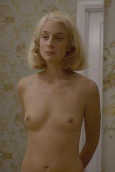 Голая Кэйтлин Фицджералд в сериале «Мастера секса», 2013