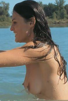 Голая Лайн Рени в фильме «Коллекционер», 2008