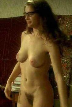 Голая Летиция Каста в фильме «Большая квартира», 2006