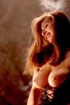 Голая Лиза Бойл в порнофильме Dreammaster The Erotic Invader, 1996