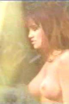 Голая Лиза Бойл в фильме «Измена», 1997