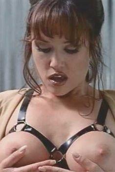 Голая Лиза Бойл в фильме «Мне нравится играть в игры», 1995