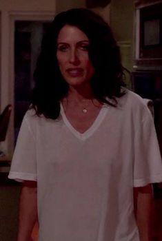 Лиза Эдельштейн без лифчика в сериале «Инструкция по разводу для женщин», 2014