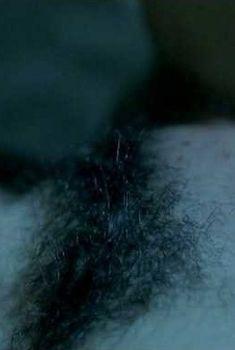 Голая писька Лиззи Брошере в фильме «Пение невест», 2008