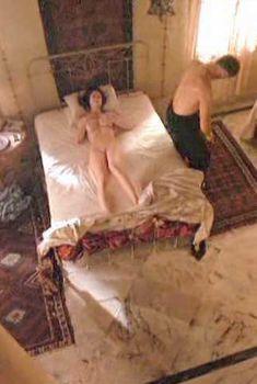 Голая Лилиана Коморовска в фильме «Двойник», 1997